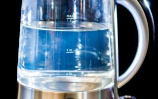 Cómo quitar la cal de un hervidor de agua